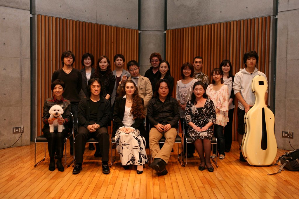 http://www.musicasa.co.jp/blanc_blog/101009shuugou.jpg