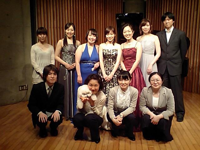 http://www.musicasa.co.jp/blanc_blog/20100322angelico.JPG