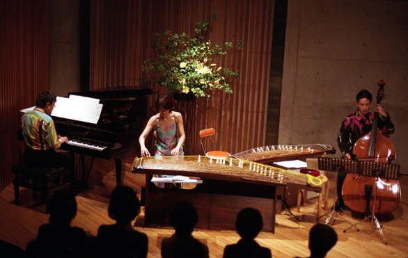 http://www.musicasa.co.jp/topics/040618.jpg