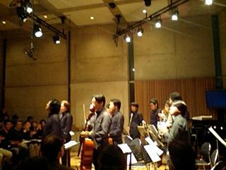 http://www.musicasa.co.jp/topics/081205_2032~0001.jpg