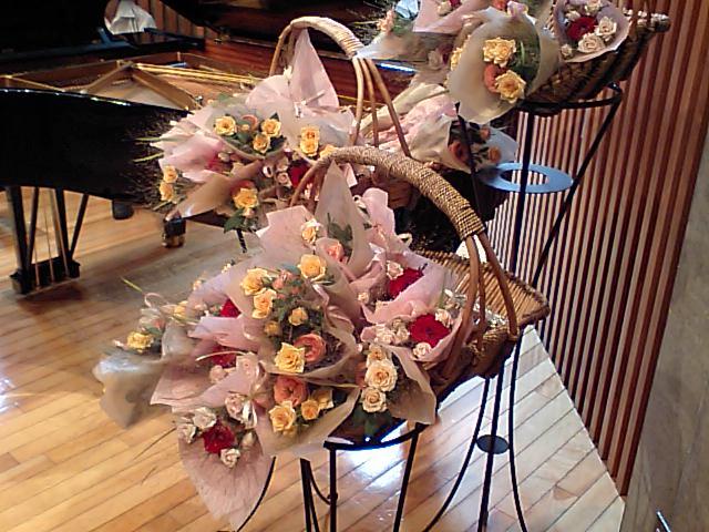 http://www.musicasa.co.jp/topics/100801mugihana.JPG