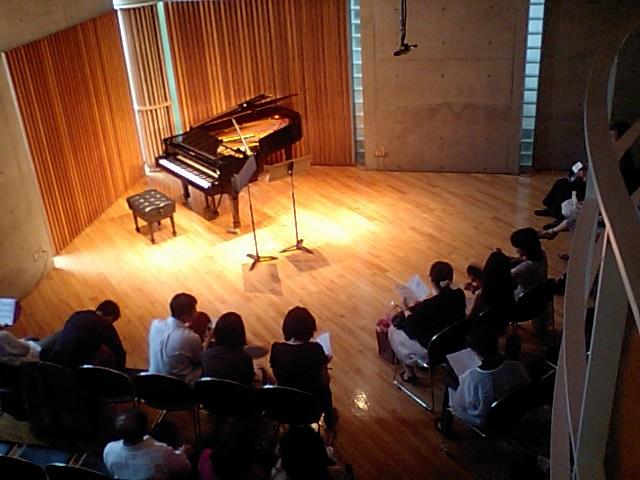 http://www.musicasa.co.jp/topics/110624uchiwa2.JPG
