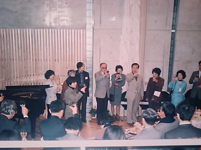 http://www.musicasa.co.jp/topics/19960204_3.JPG