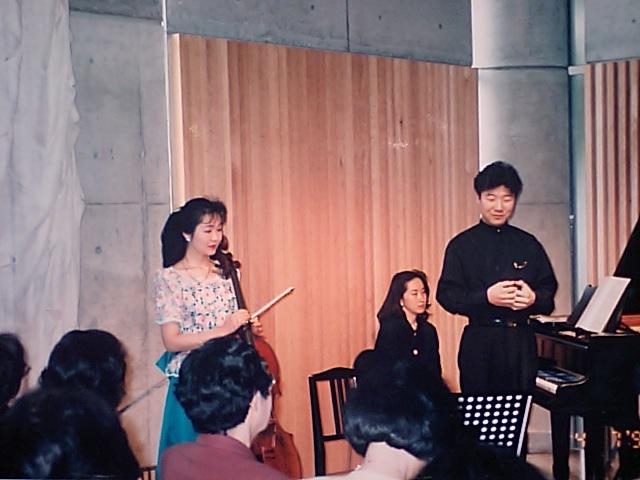 http://www.musicasa.co.jp/topics/19960407_1.JPG