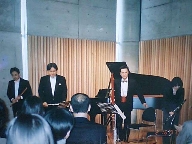 http://www.musicasa.co.jp/topics/19970216_1.JPG