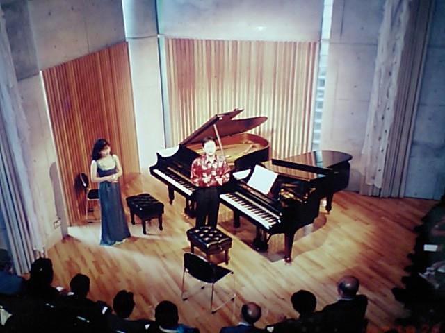 http://www.musicasa.co.jp/topics/19971026_1.JPG